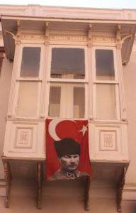 Ataturk Champseix drapeau
