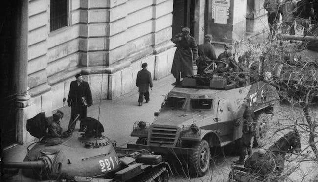 Budapest 1956. La révolution vue par les écrivains hongrois
