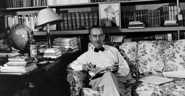 Thomas Mann, La montagne magique. Trad. de l'allemand, annoté et postfacé par Claire de Oliveira. Fayard