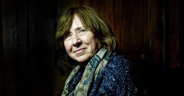 Svetlana Alexievitch : orchestrer des voix changeantes Dossier Enquêtes En attendant Nadeau