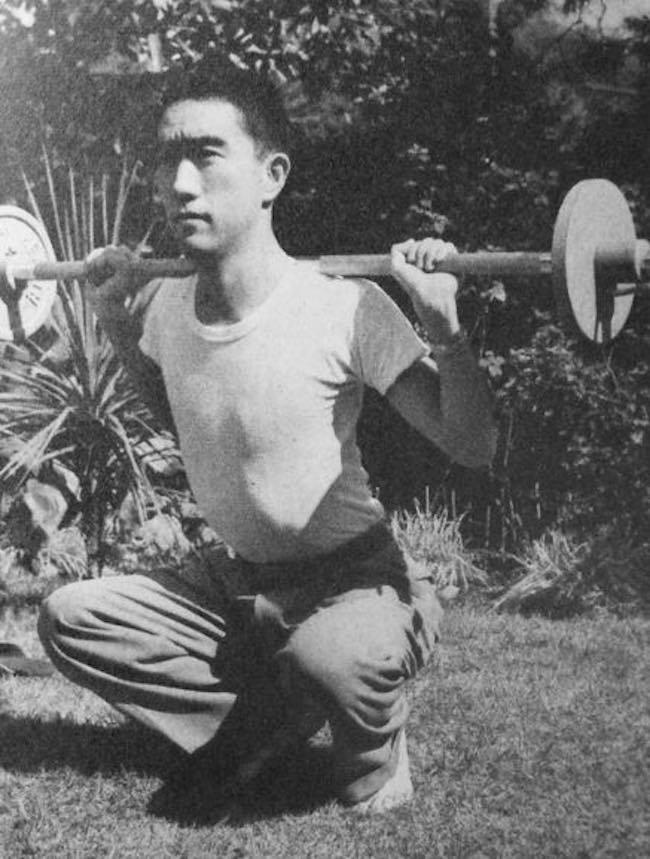 Yukio Mishima, Vie à vendre