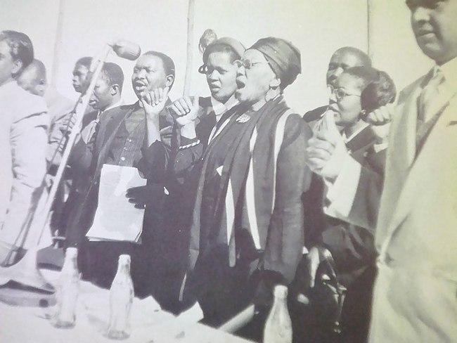 Njabulo Ndebele, Le lamento de Winnie Mandela