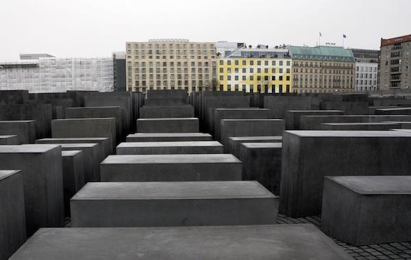 Nazisme, esclavagisme : politiques comparées des mémoires Susan Neiman En attendant Nadeau