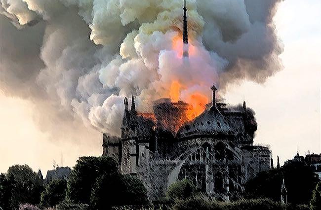 Sous le ciel vide, de Raphaël Nizan : depuis les flammes de Notre-Dame