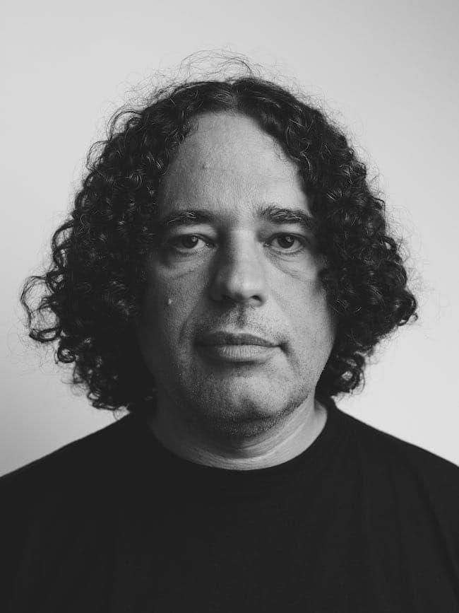 Le bal des porcs, d'Arpád Soltész : l'assassinat d'un journaliste