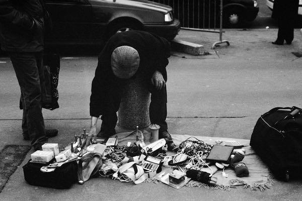 Mélanie Duclos, Les braconniers des poubelles. À la rencontre des biffins En attendant Nadeau