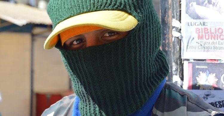 Le mystère de la cagoule : une enquête bolivienne de Colette Milhé