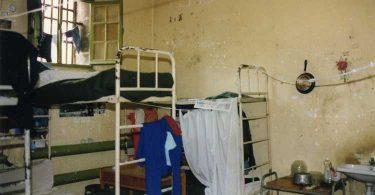 Une institution dégradante, la prison, de Corinne Rostaing