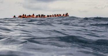 En mer, pas de taxis, de Roberto Saviano : une guerre menée de loin